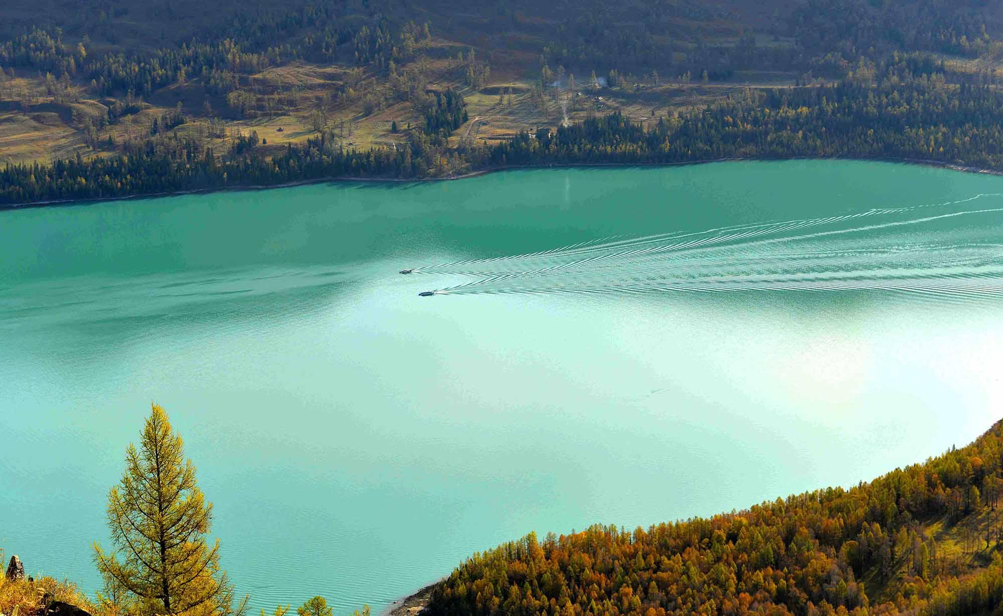 青岛去新疆旅游 青岛去新疆吐鲁番,天山天池,东方瑞士